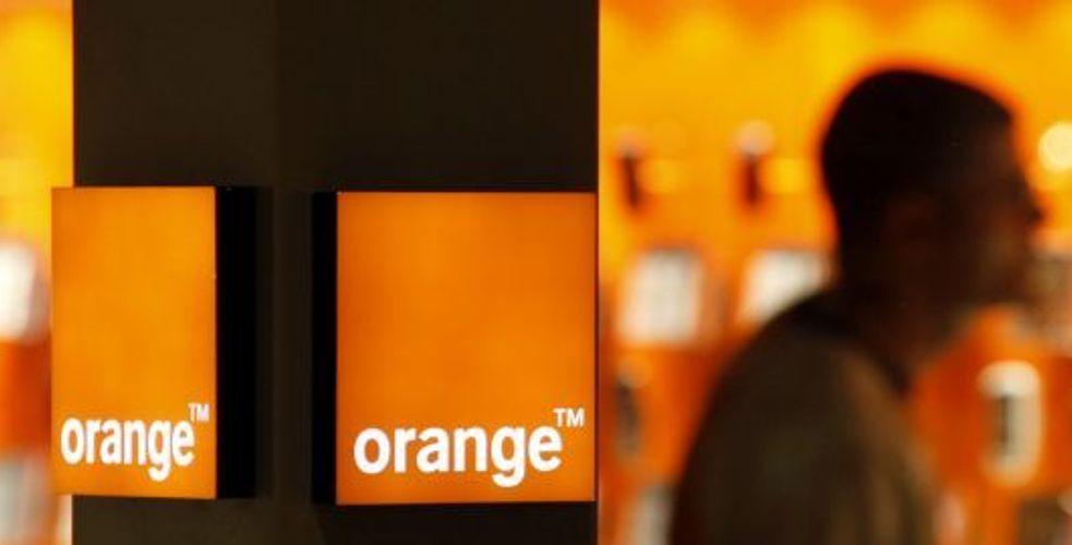 Surfacturations fantaisistes : Orange propose la fibre optique, sans la fibre de la relation client
