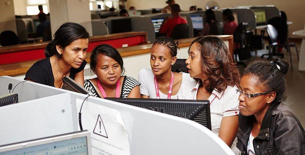 Madagascar et les centres d'appels, une histoire ancienne ? Paroles de précurseurs