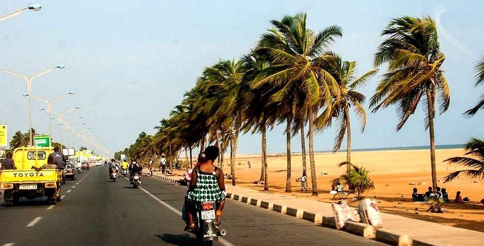 Ici Lomé, à vous Vendin Le Vieil!
