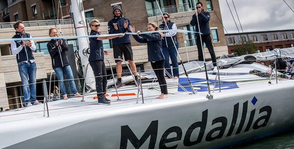 Medallia tente l'expérience sponsoring et soutient la navigatrice Pip Hare au Vendée Globe