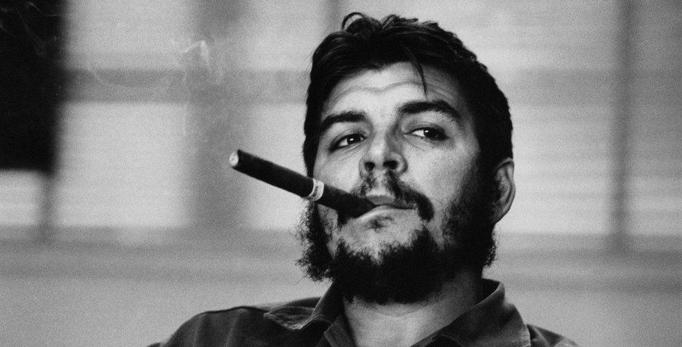Libérez-vous de la monarchie téléphonique : le Che Guevara des centres de contacts est lyonnais. Il s'appelle…