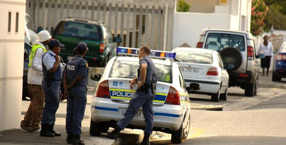 En Direct du Cap : Grilles salariales: des agents du call center de la police du Cap attaquent le Préfet en justice