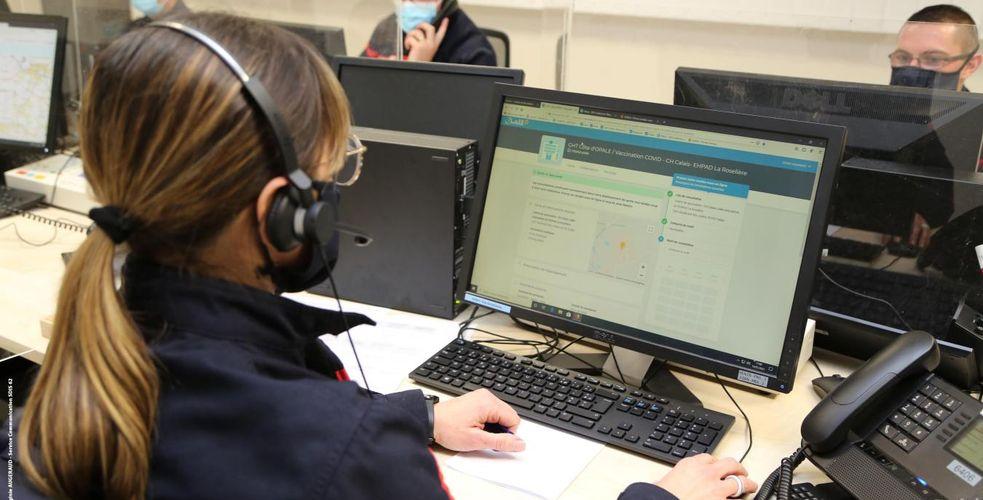 Pompiers, gendarmes et hôpitaux, préfectures… embarquent la panoplie de l'expérience client à distance: CRM, chatbots, quality-monitoring
